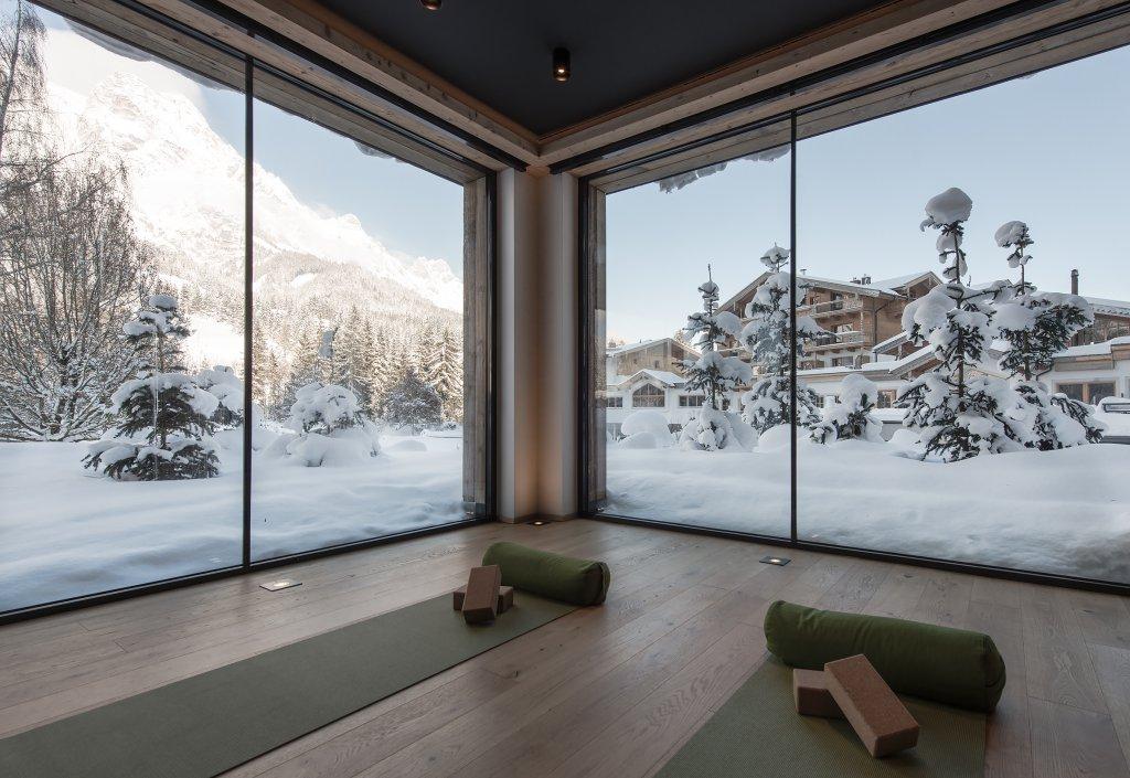 winteraktiv skiurlaub direkt an der piste naturhotel. Black Bedroom Furniture Sets. Home Design Ideas