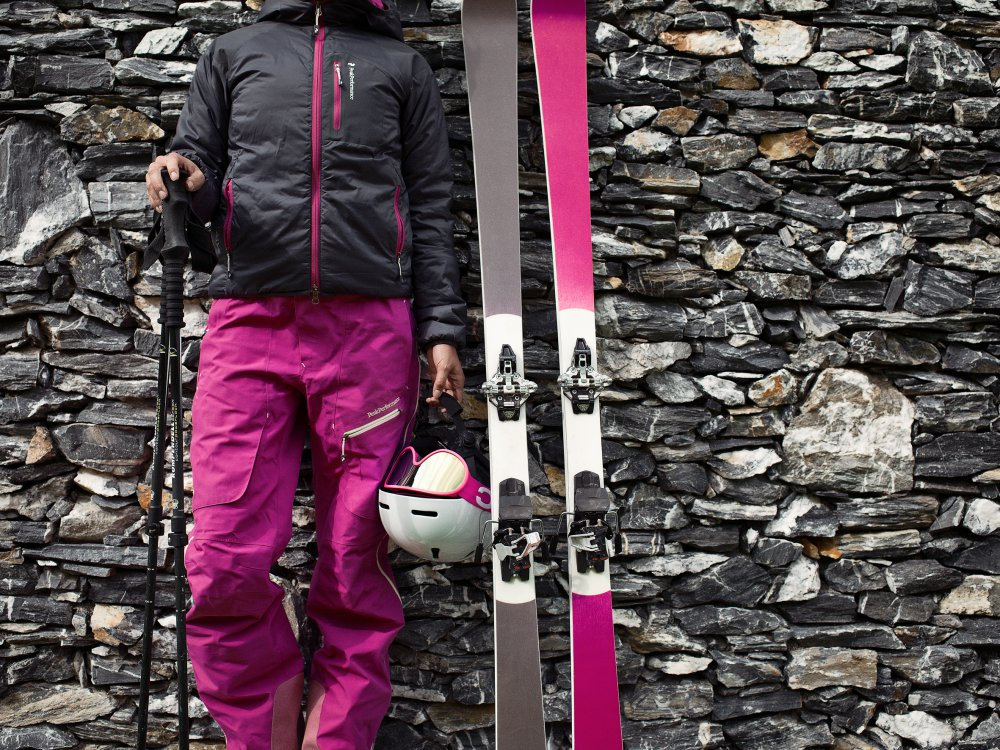 Skitour on stone wall